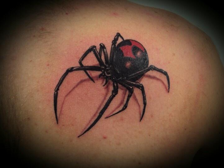 spinnenweb tatoeages