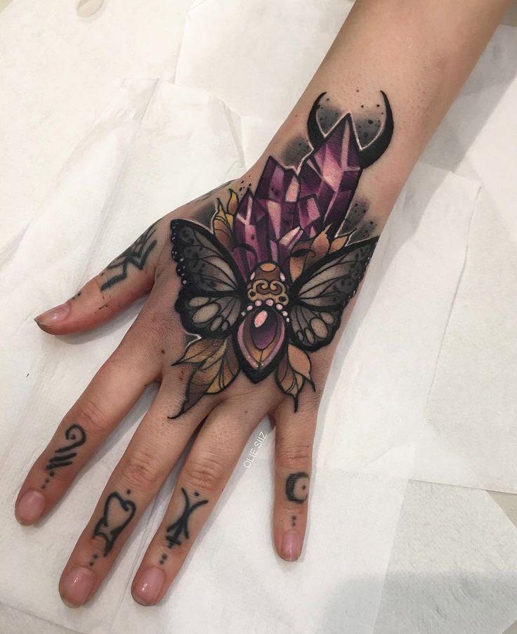 tatuaje en la mano para niño